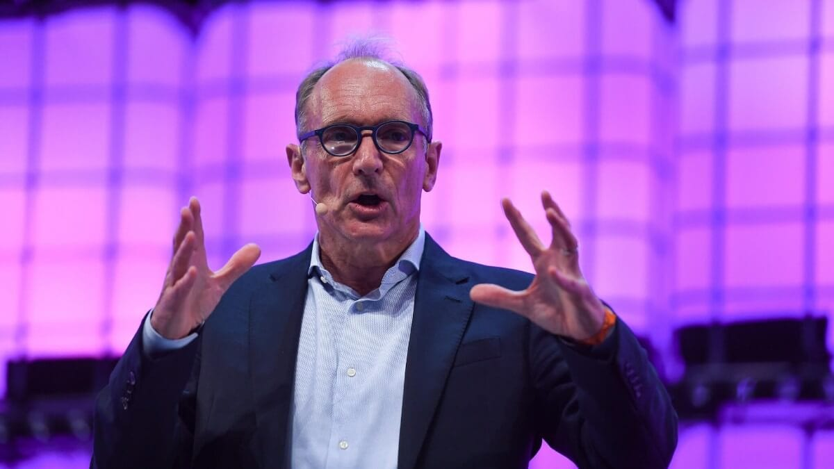 Sir Tim Berners-Lee launches the Contract for the Web at Web Summit 2018